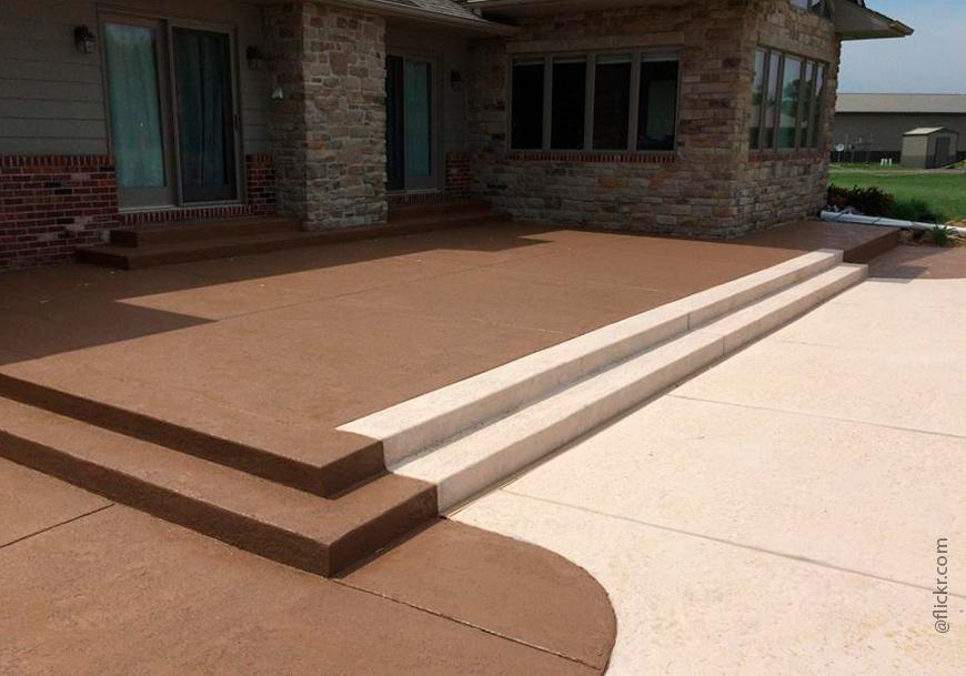 Цветной бетон используется повсеместно