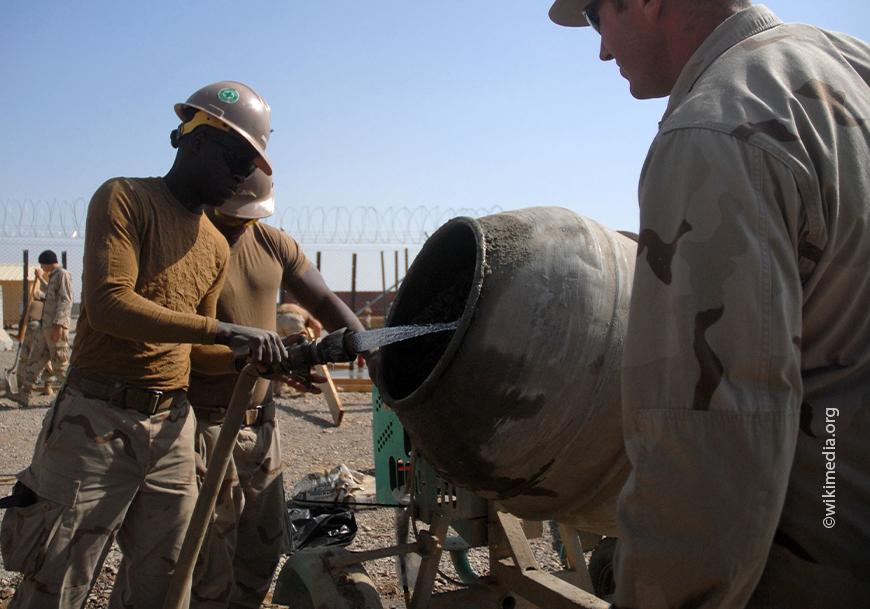 Излишки воды также вредны, как и недостаток воды при создании бетонной смеси